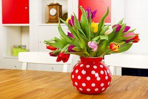 Pretty vase of Spring tulips